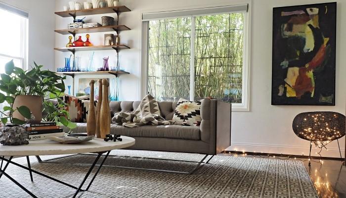 Дом в эклетичном стиле в Лос-Анджелесе, дополненный креативными штрихами