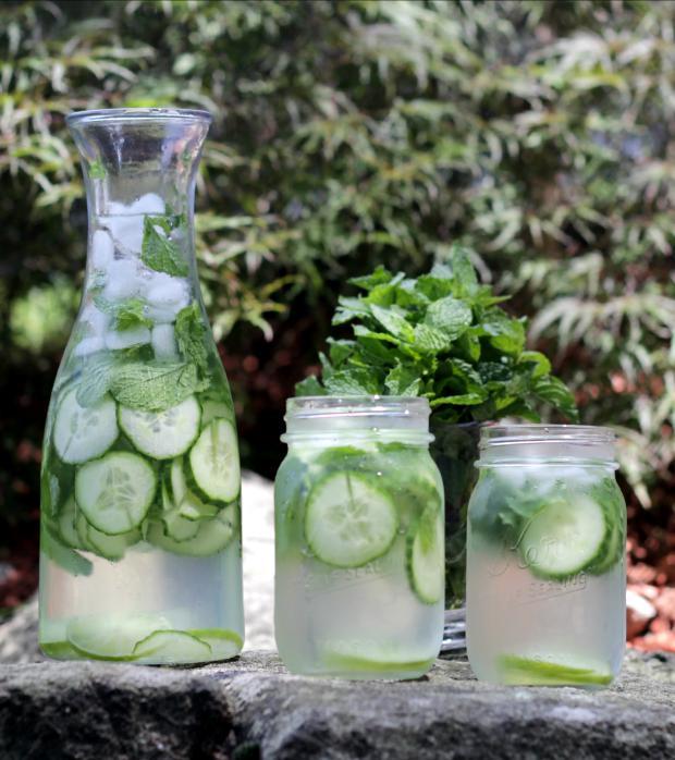 вода на мяте и огурцах, детокс, летний детокс, рецепты для лета