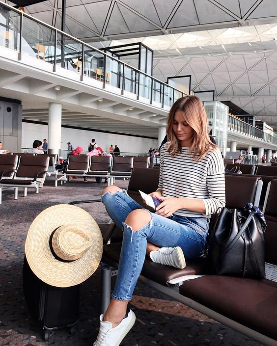 стиль в дорогу, аэропорт, полоска, шляпа, travel style, aeroport, breton shirt, jessica stein