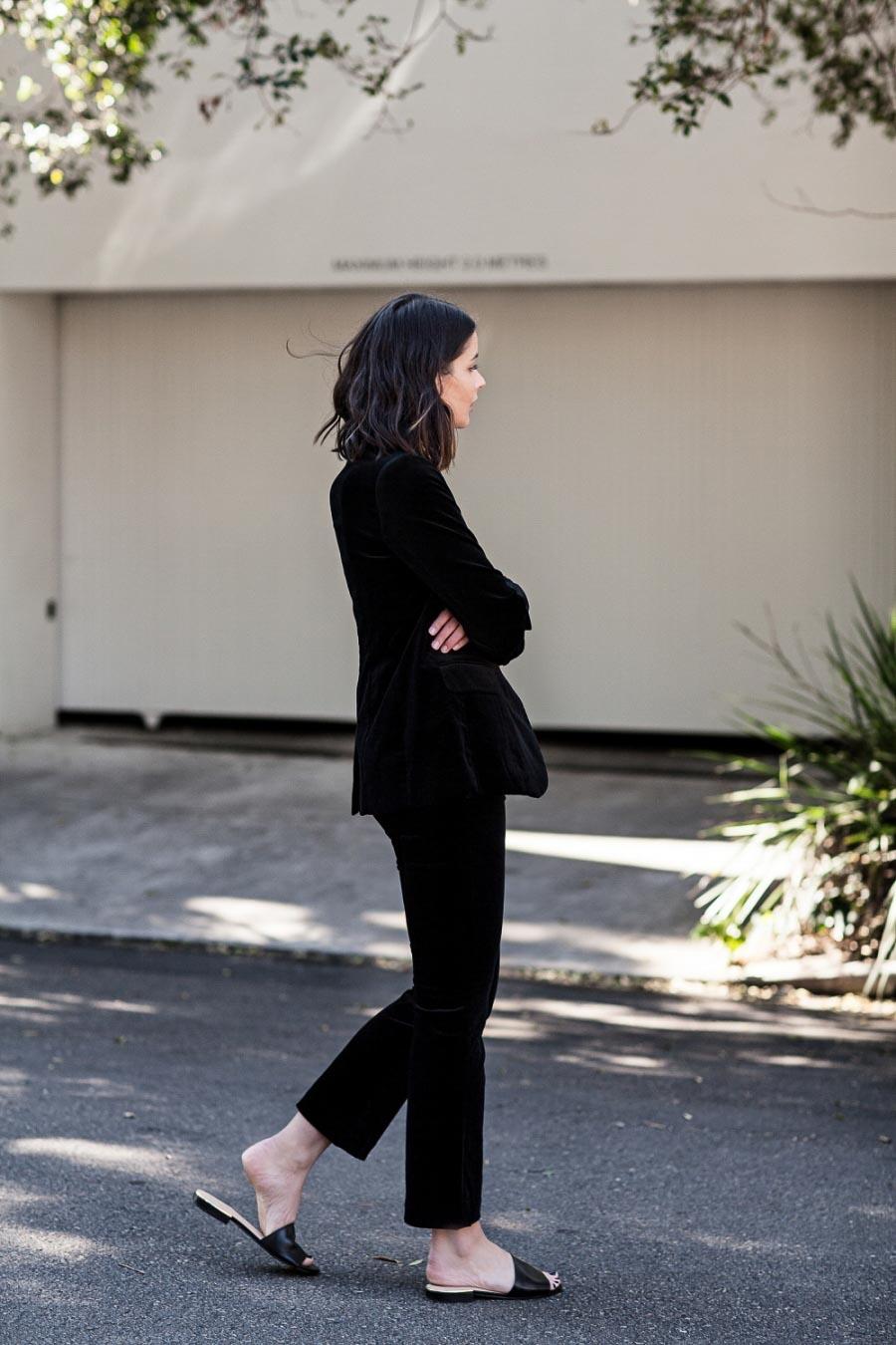 All black outfit. Черный вельвет, брючный костюм.