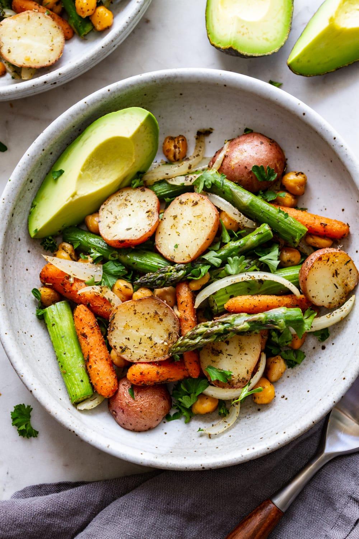 Быстрые запеченные овощи от Simple Veganista
