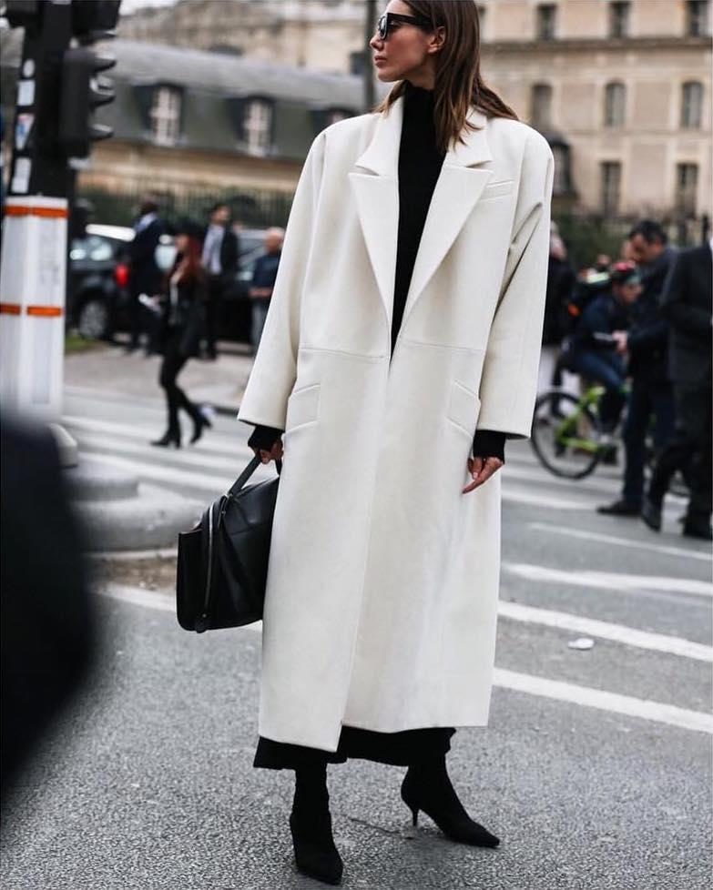 Черный, белый, кожа и любимый свитер: хиты наступающей зимы