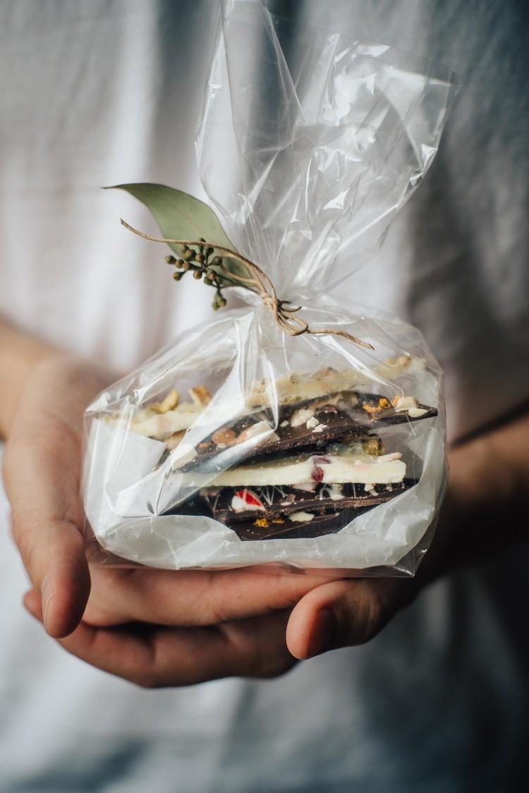 Домашний шоколад: новогодний подарок, который можно сделать в последнюю минуту