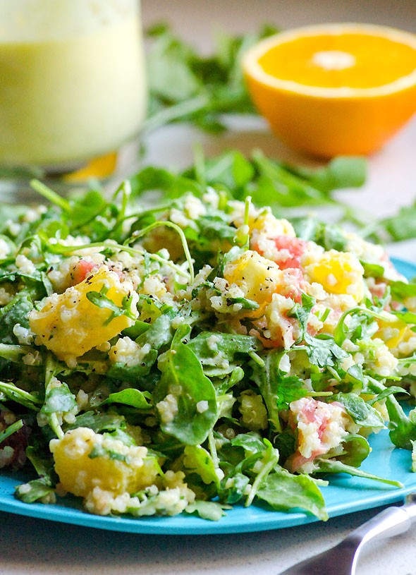 Энциклопедия салатных заправок: 8 нескучных идей для зелени