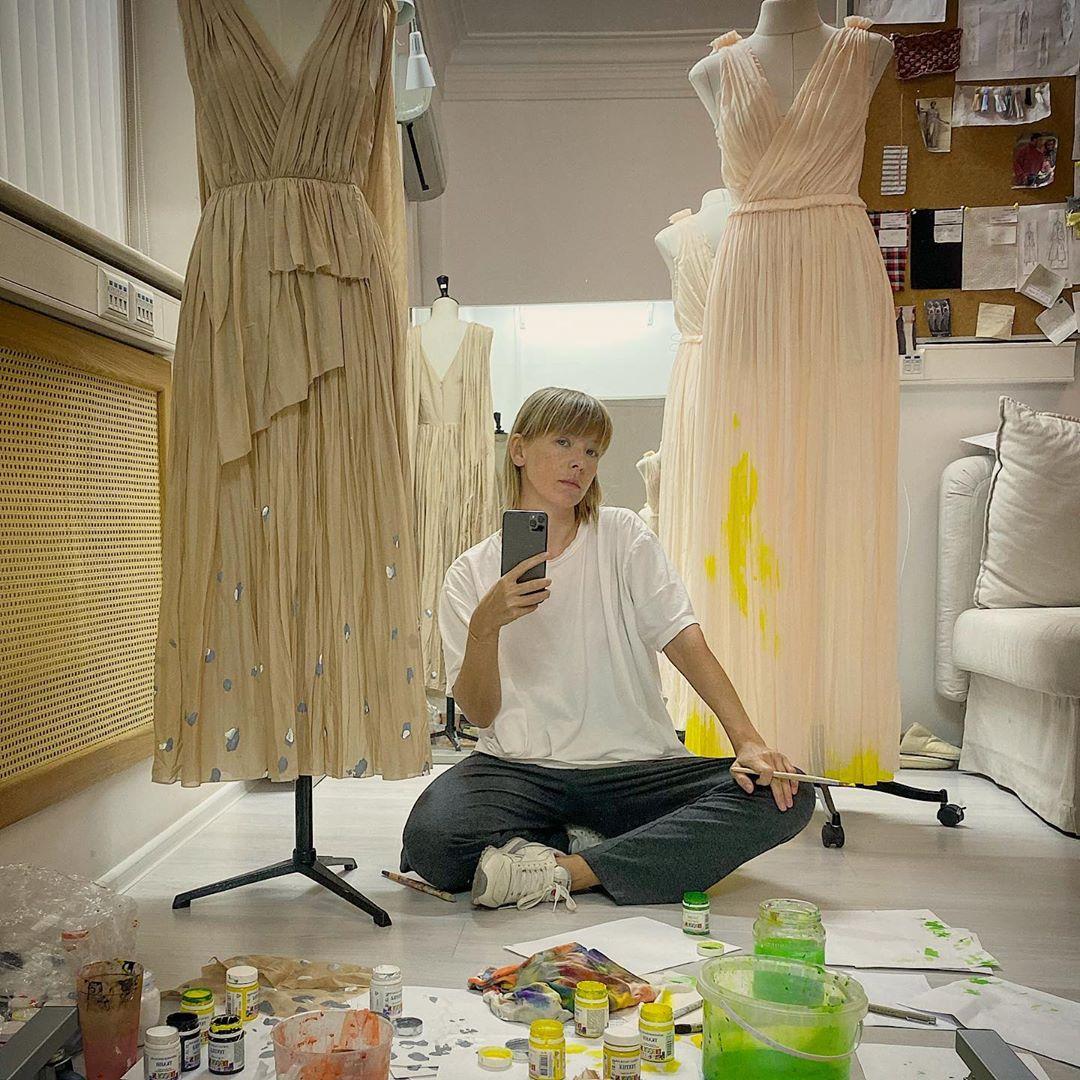 """""""Это не тренд - это необходимость"""": Vika Gazinskaya об ответственной моде"""