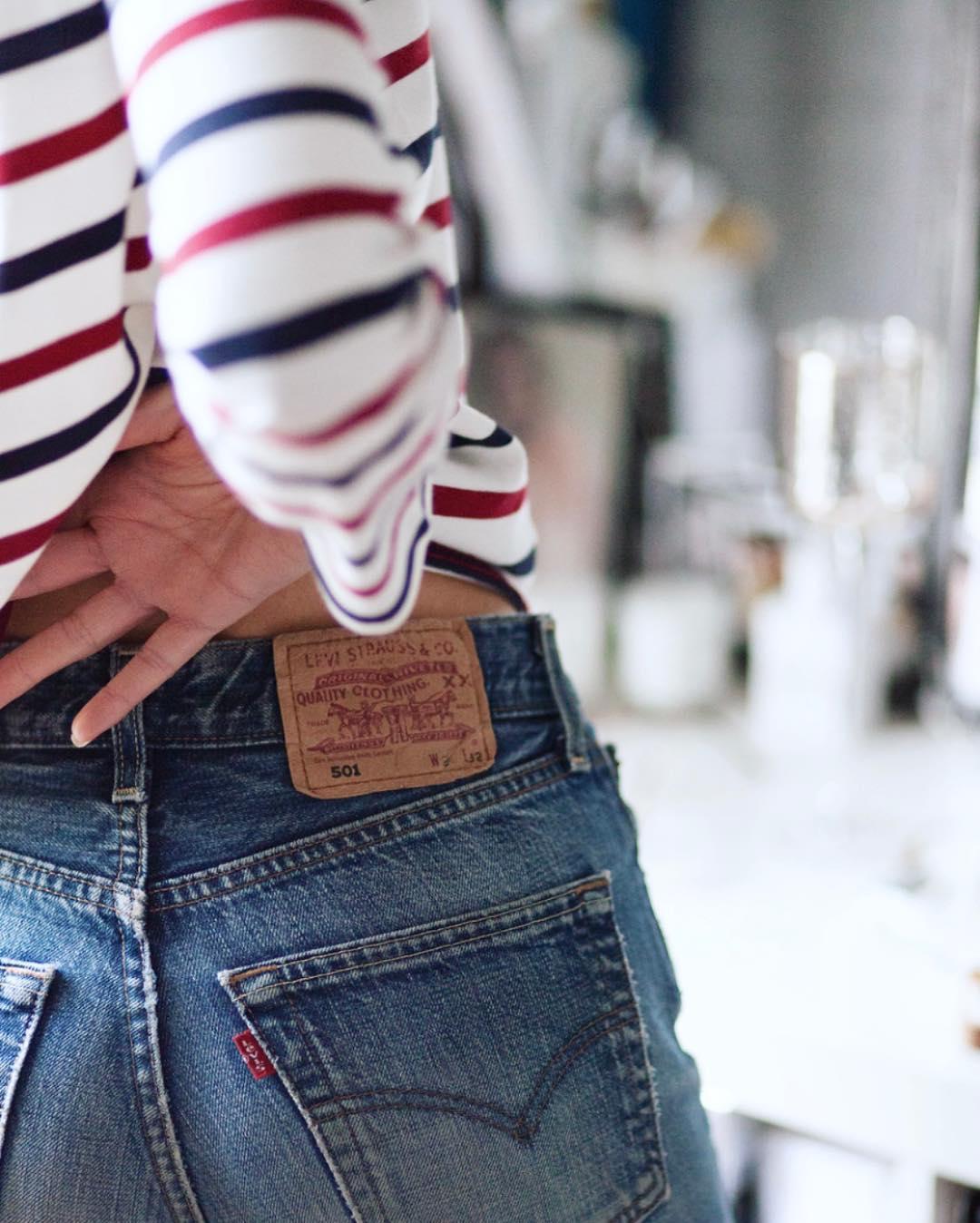 Футболка, джинсы, cocktail ring - 15 образов от парижского блогера Les babioles de Zoe