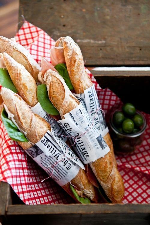парижский пикник, багет, городской пикник