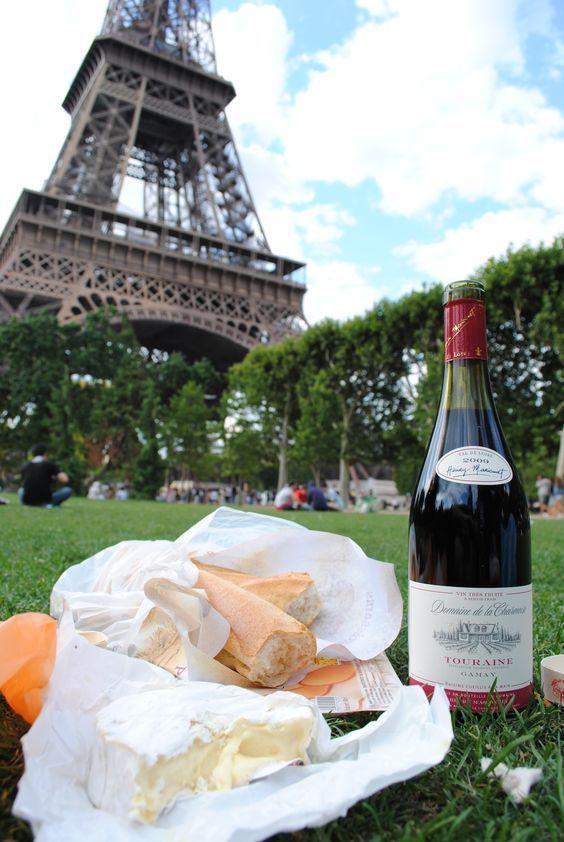 парижский пикник, вино и сыр