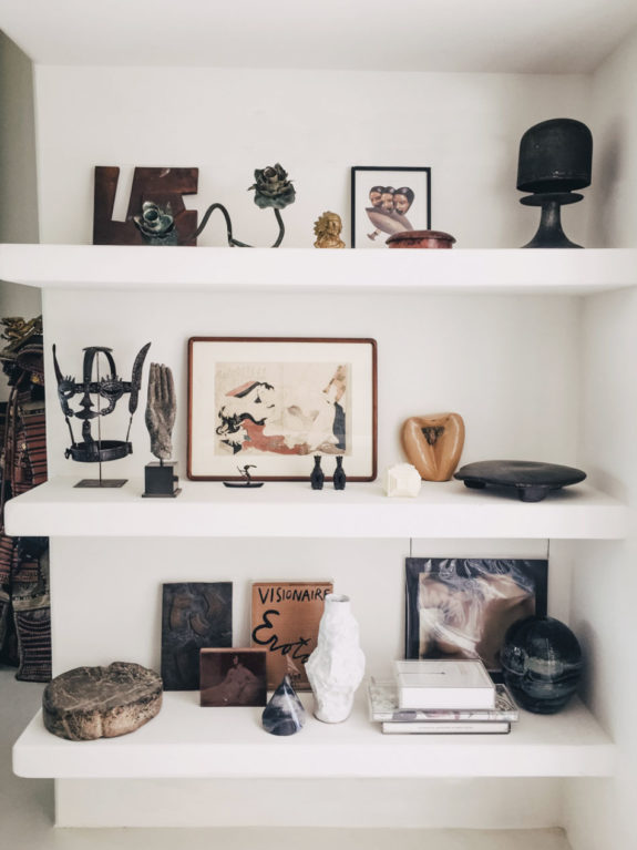 shelf styling inspiration with curated vintage collection. / sfgirlbybay