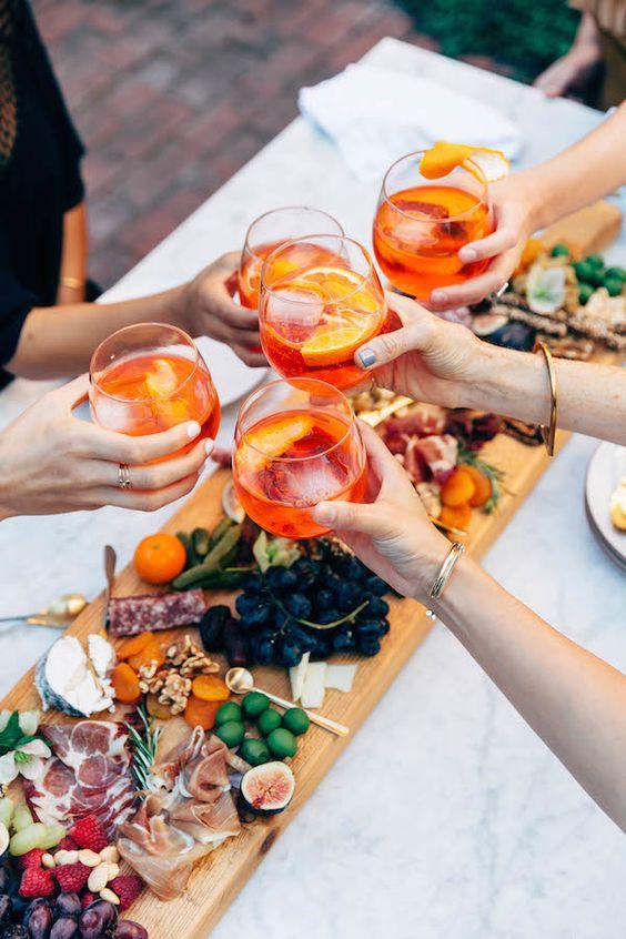 Aperol shpritz, апероль-шприц, летние аперитивы, летний коктейль, коктейль на большую компанию