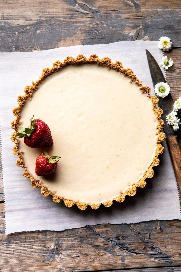 Летний лимонный пирог от Half Baked Harvest