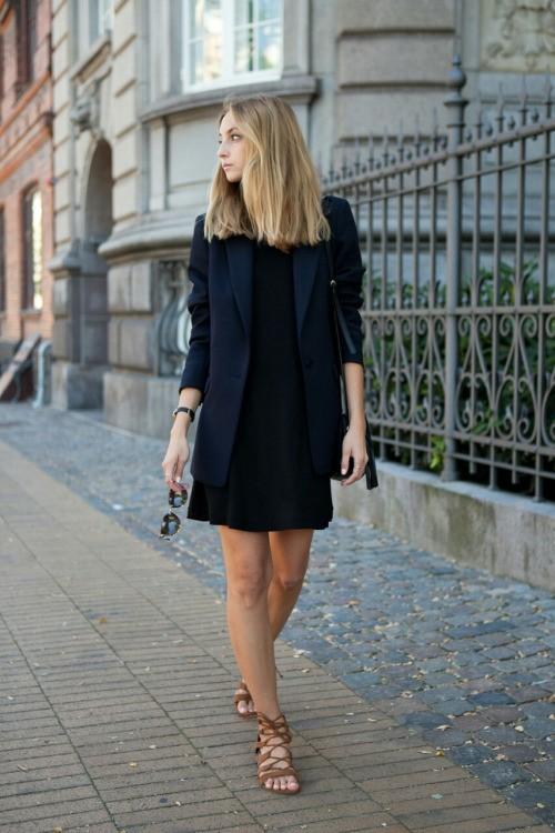 Маленькое черное платье под черный пиджак. LBD, parisian chic.