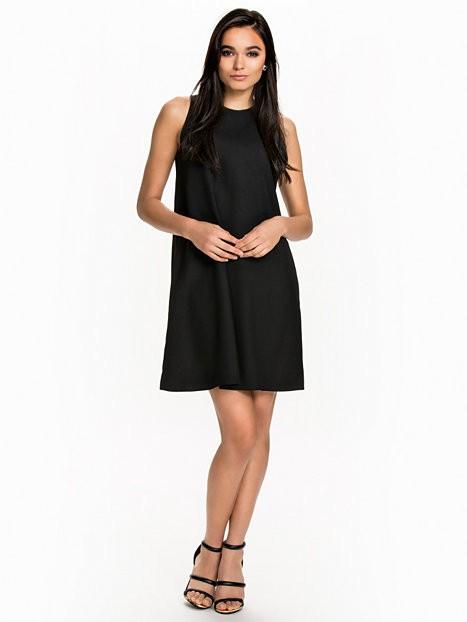Как выбрать Маленькое Черное Платье? 4 кроя на все времена.