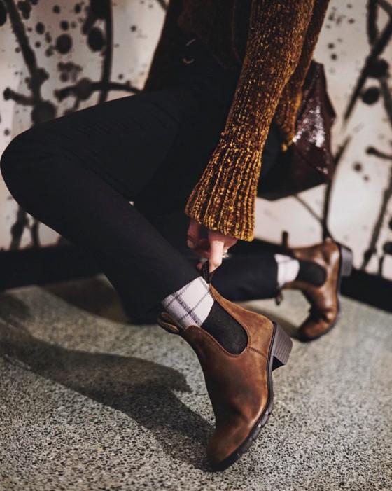 Лучшие образы декабря: шелк и бархат, animal print, высокие сапоги