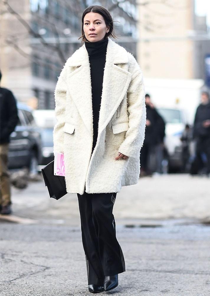 white coat, new york street style, spring-summer 2017