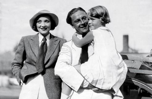 Marlene Dietrich, her husband - Rudolf Sieber, their daughter - Maria Elisabeth Sieber (1931)