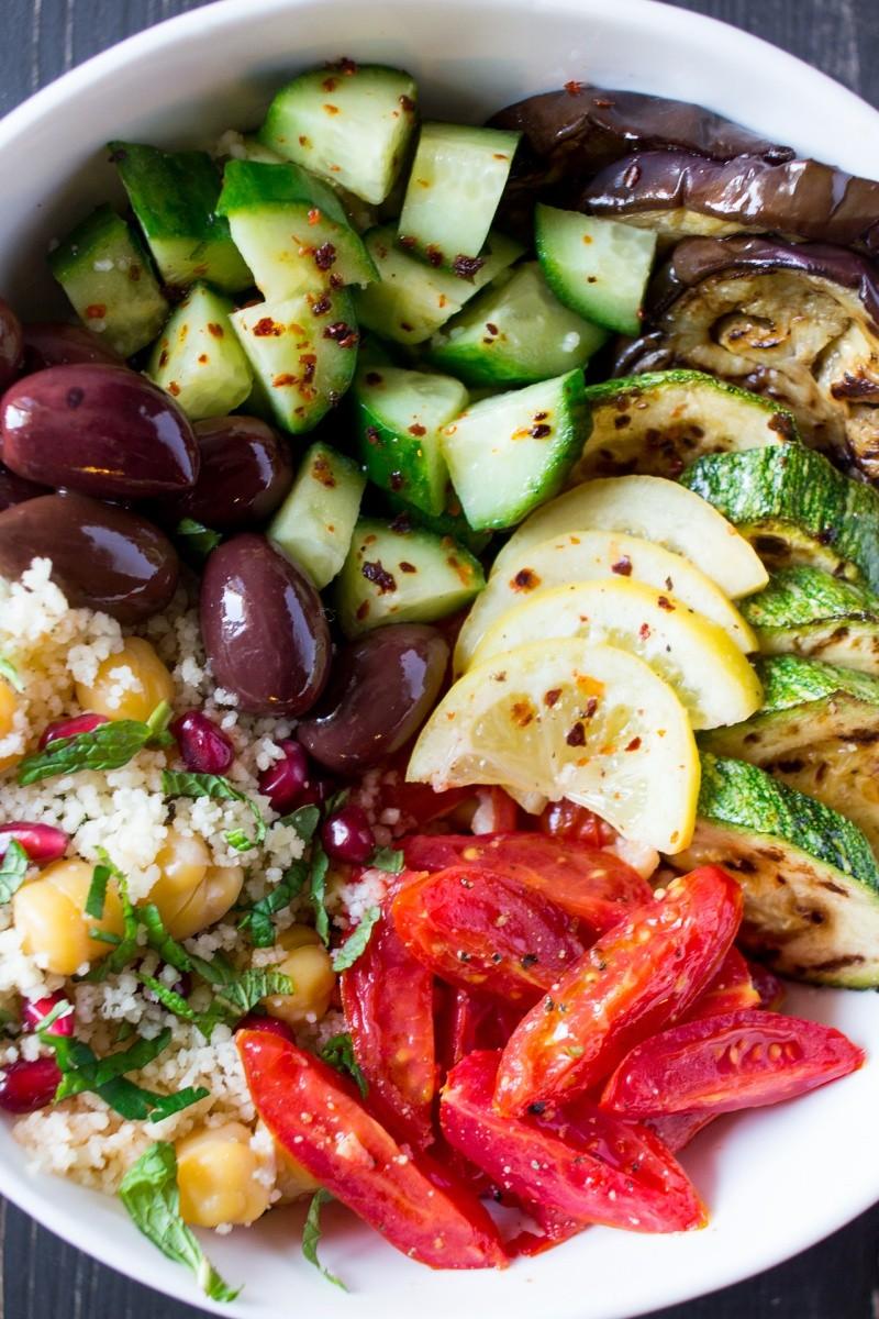 Марроканский салат с маринованными лимонами