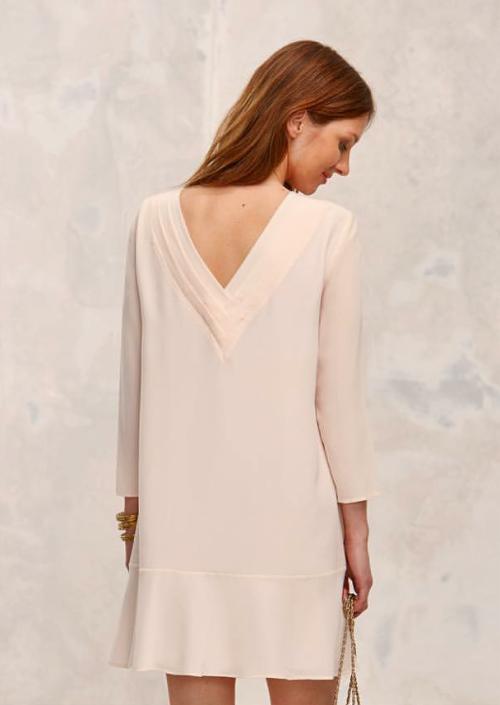 Платье нейтральной гаммы