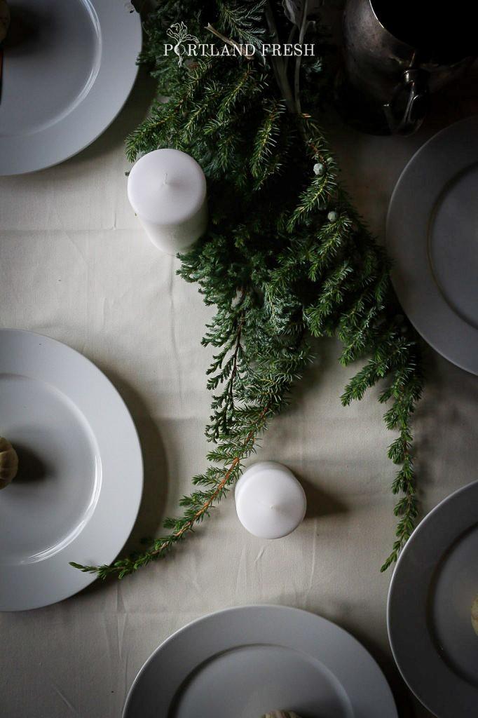 Новогодний стол: меню и идеи декора.
