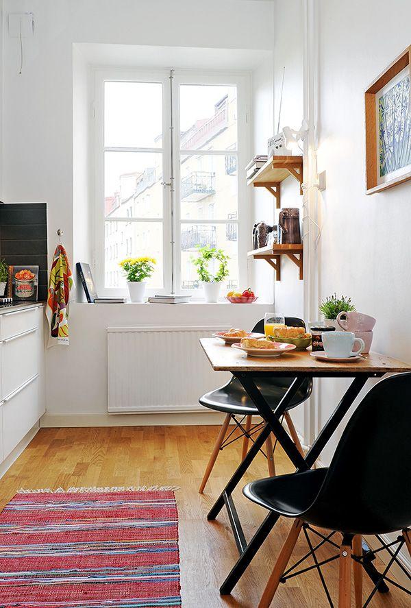 маленький стол, маленькая кухня, дизайн, интерьер