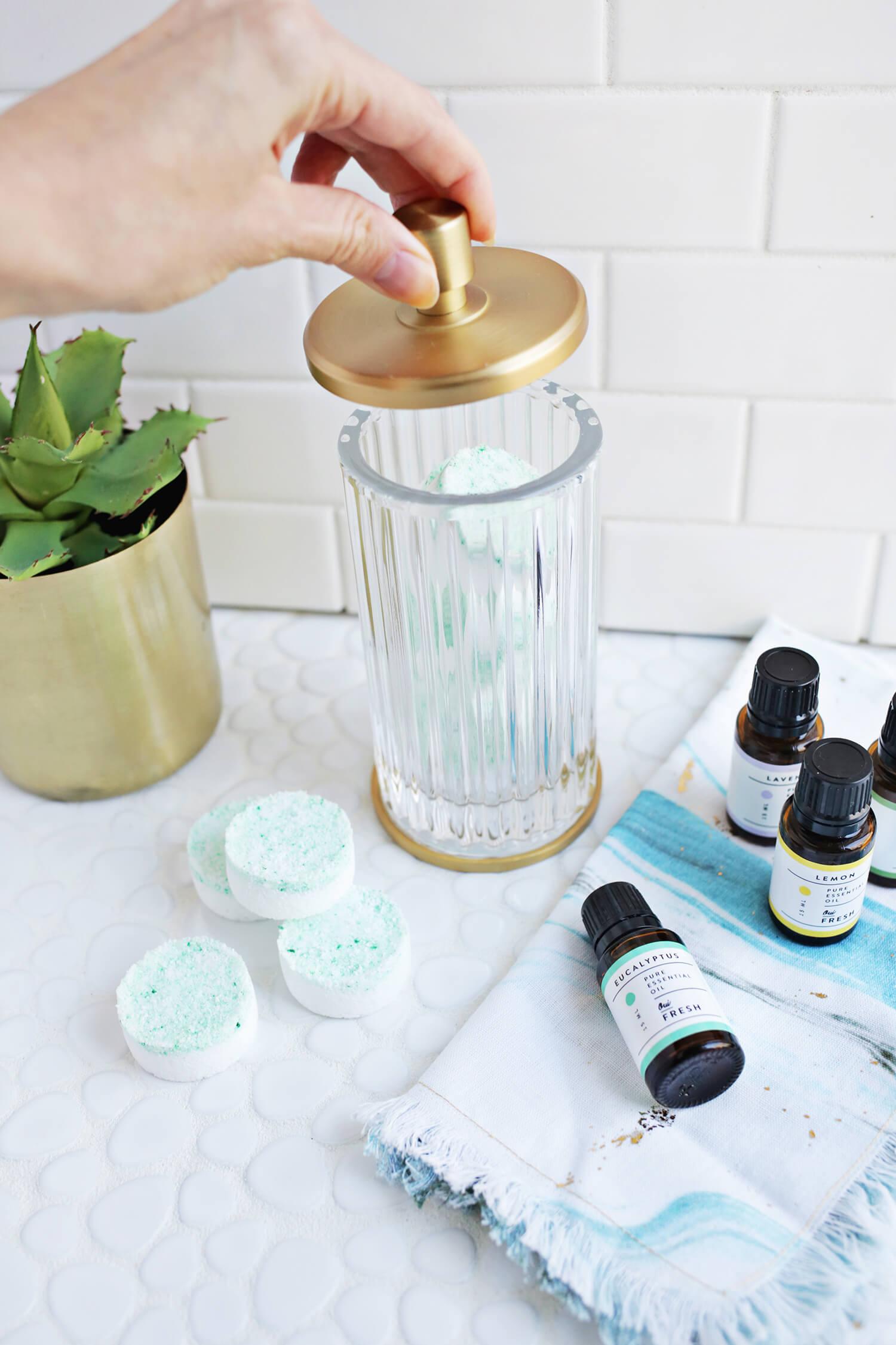 Полезное удовольствие: DIY арома-таблетки для душа против простуды