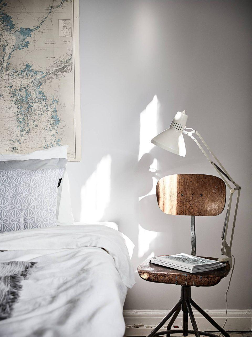 мебель в спальне, прикроватная тумбочка, декор, дизайн интерьера, спальня