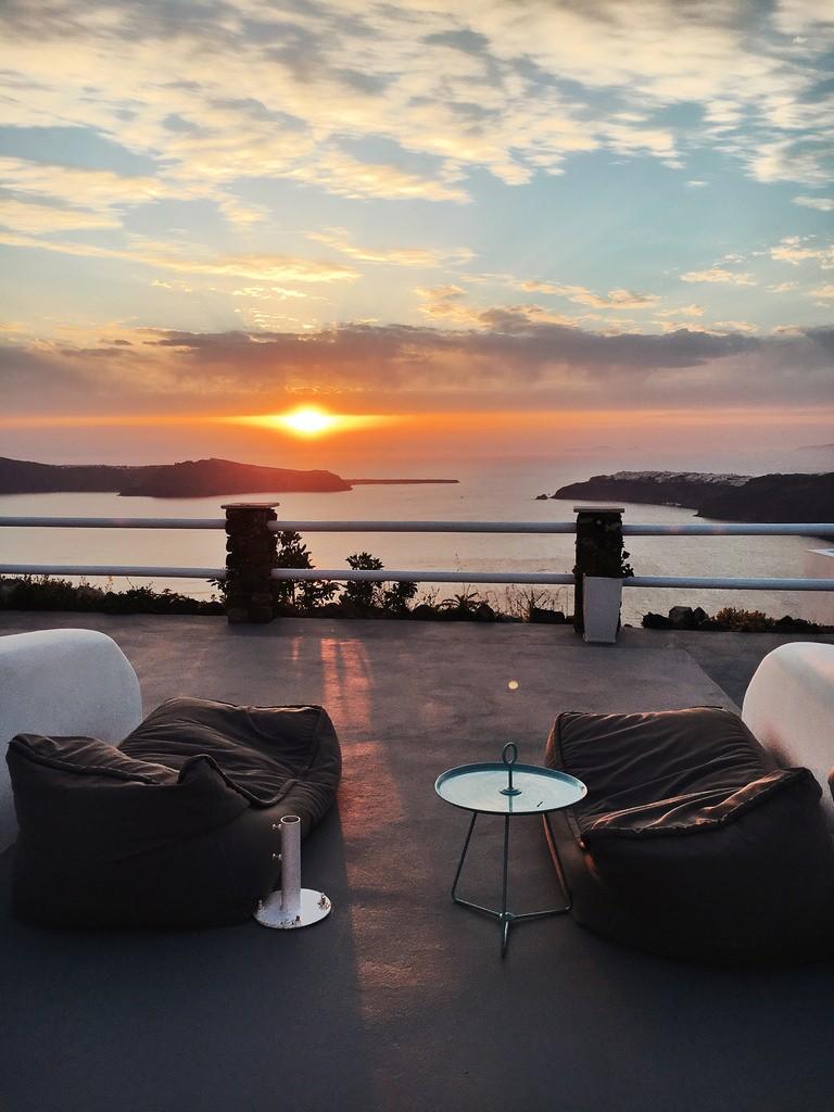 Прогулка по Санторини: самый романтический остров Греции