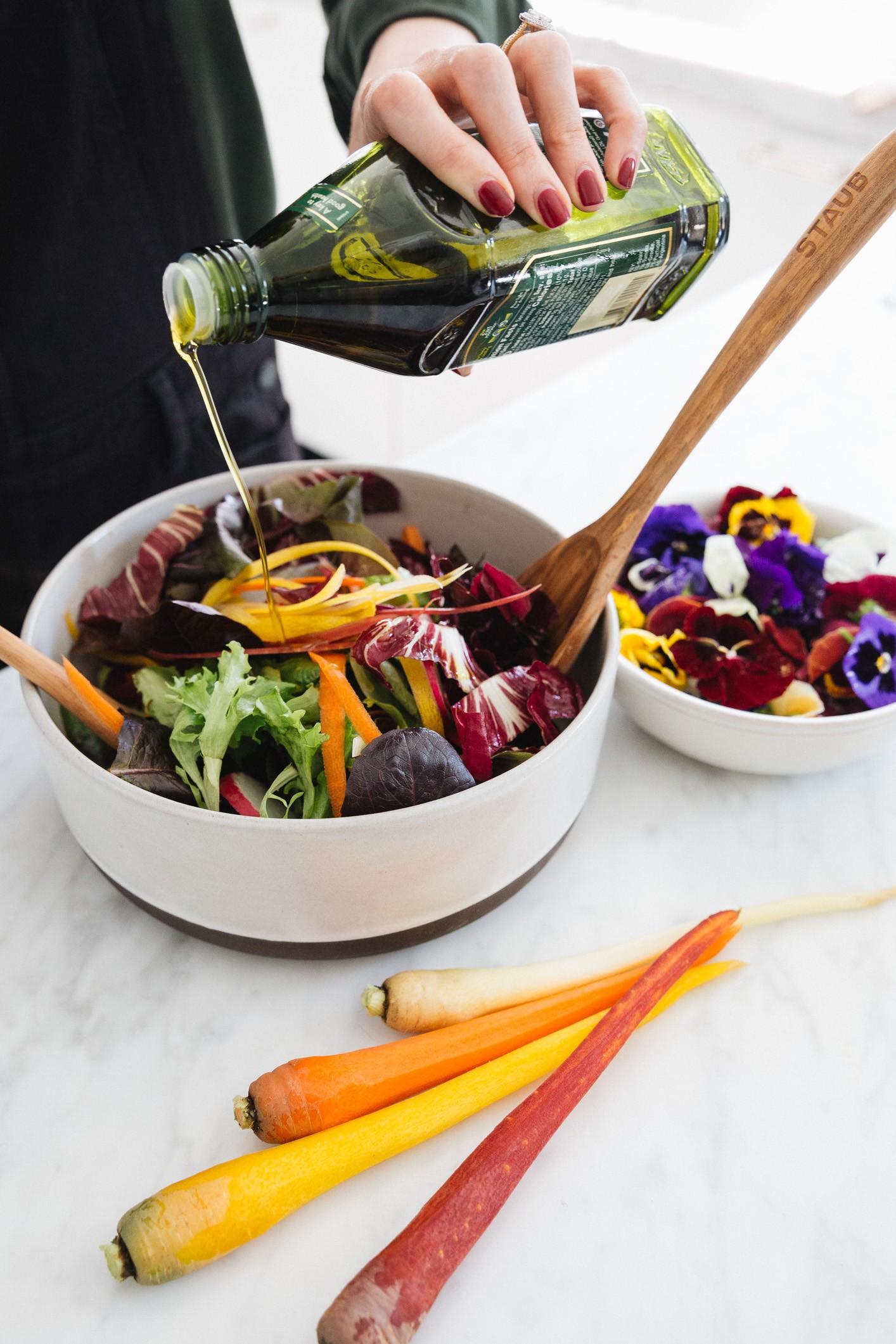 весенний салат с цветами, красивый и простой рецепт