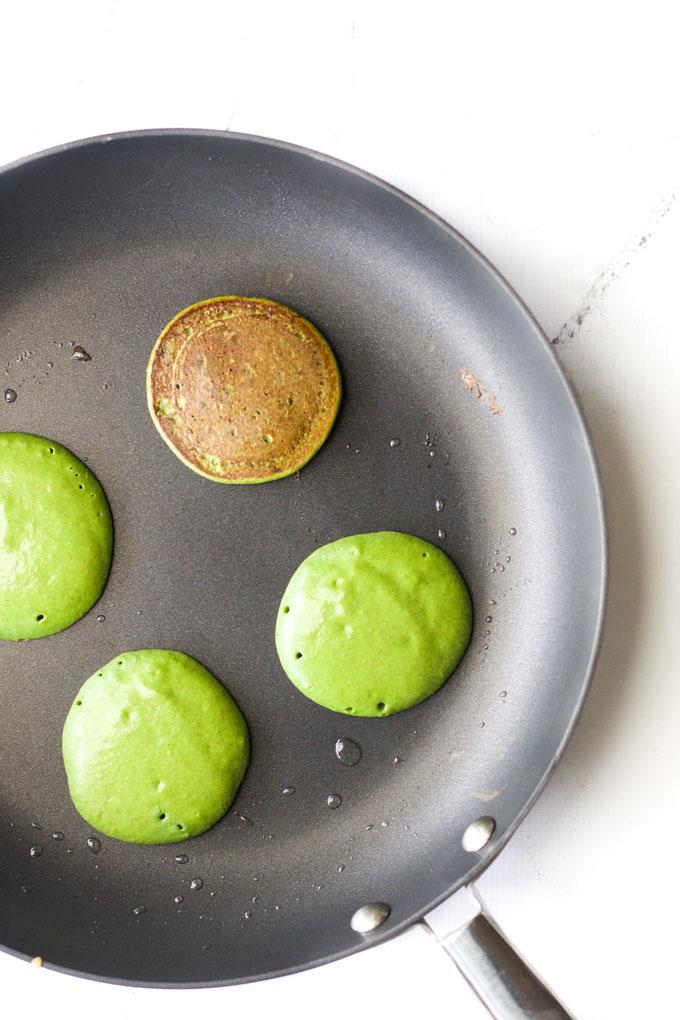 Смузи-оладья, или что диетологи готовят на завтрак своим детям