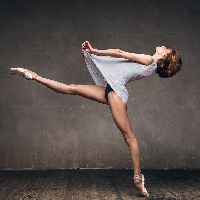 art-of-graceful-ballet-dancing-on-photos-by-alexander-yakovlev-18