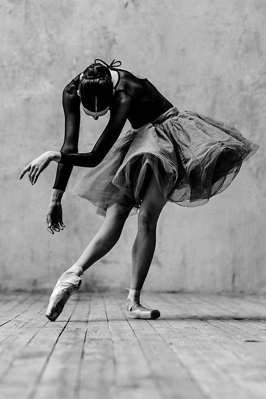 Танец и его завораживающая сила в работах Alexander Yakovlev