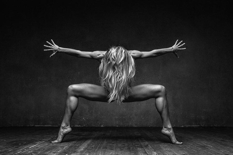 art-of-graceful-ballet-dancing-on-photos-by-alexander-yakovlev-5
