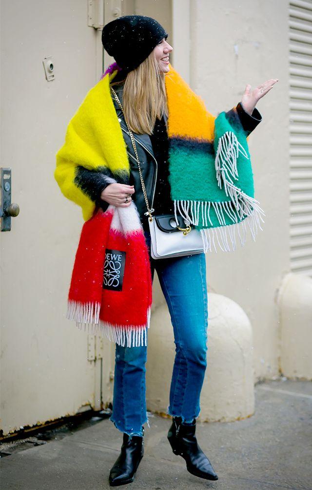 Утепляемся: 3 способа носить «шарф-одеяло» (blanket scarf)