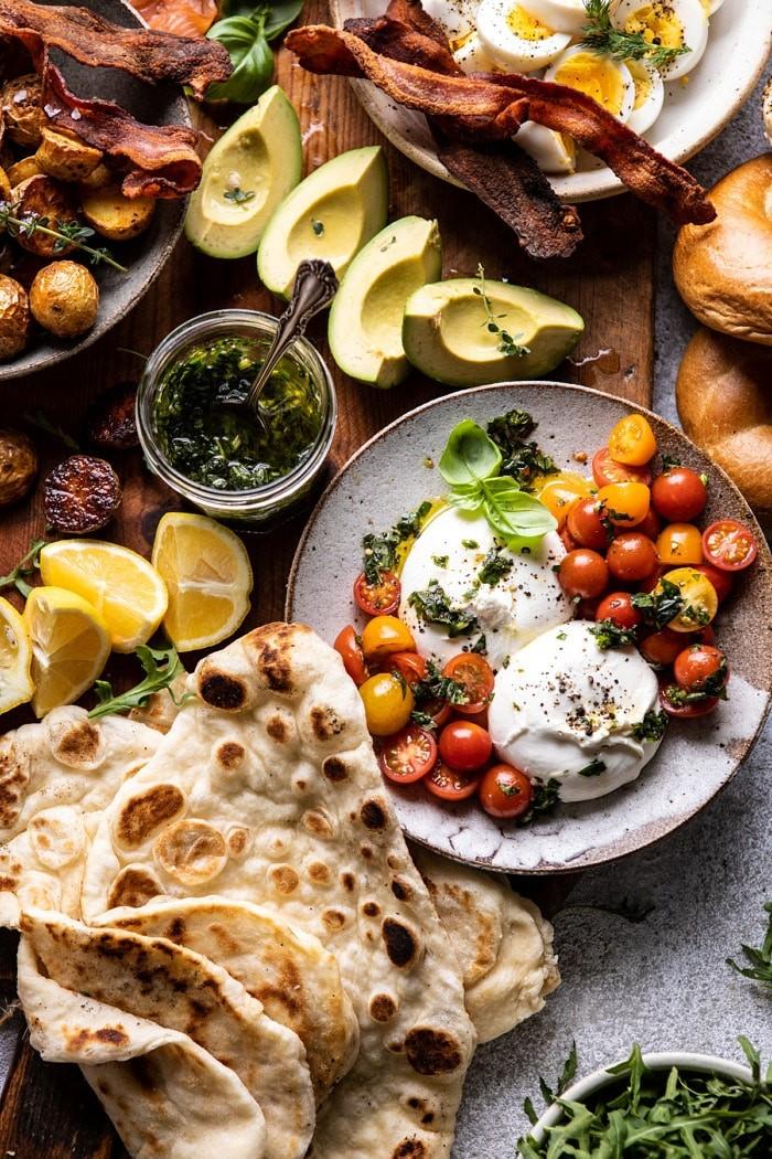 Весенний бранч-пикник: красивая идея для дачной субботы