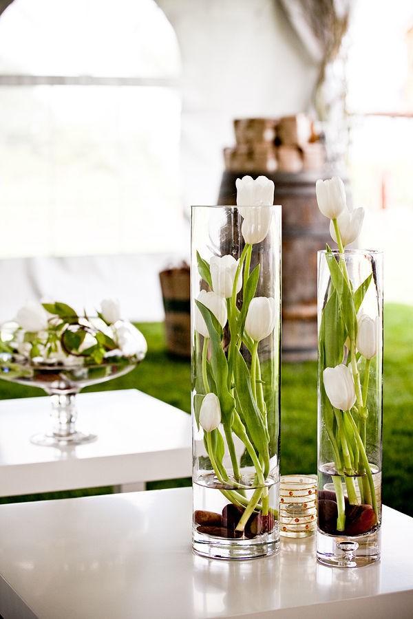 Время тюльпанов: 5 идей от флористов и декораторов для главных цветов весны