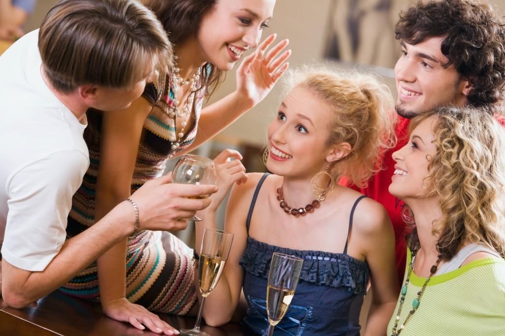 5 способов научиться нравиться людям